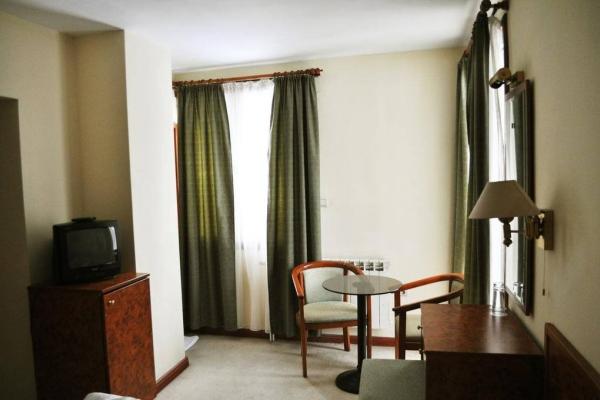 Hotel_Victoria_Double_room2